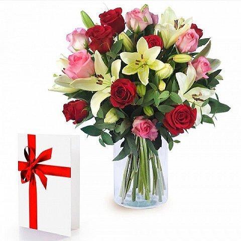Buntes Lächeln: Rosen und Lilien