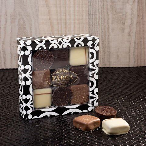 'Sophistiqué' : Giorgio Armani, chocolat et réveil