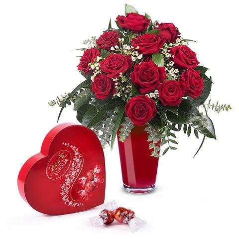 12 rosas rojas más bombones