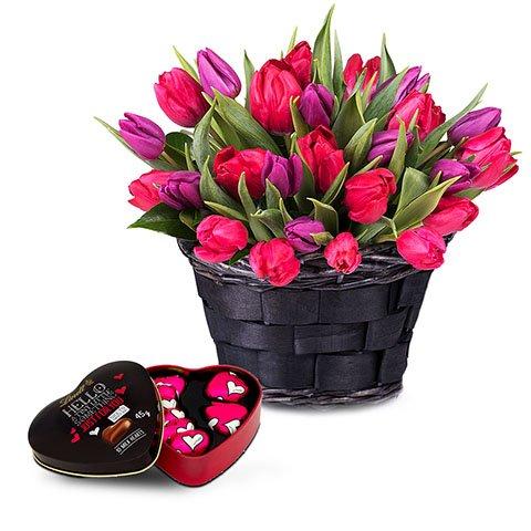 Moments Enchantés : Tulipes Rouges et Violettes