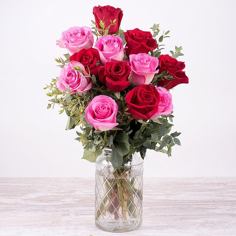 Pareja Perfecta: Rosas Rosas y Rojas