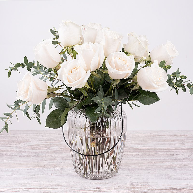 Puro Amor: 12 rosas blancas
