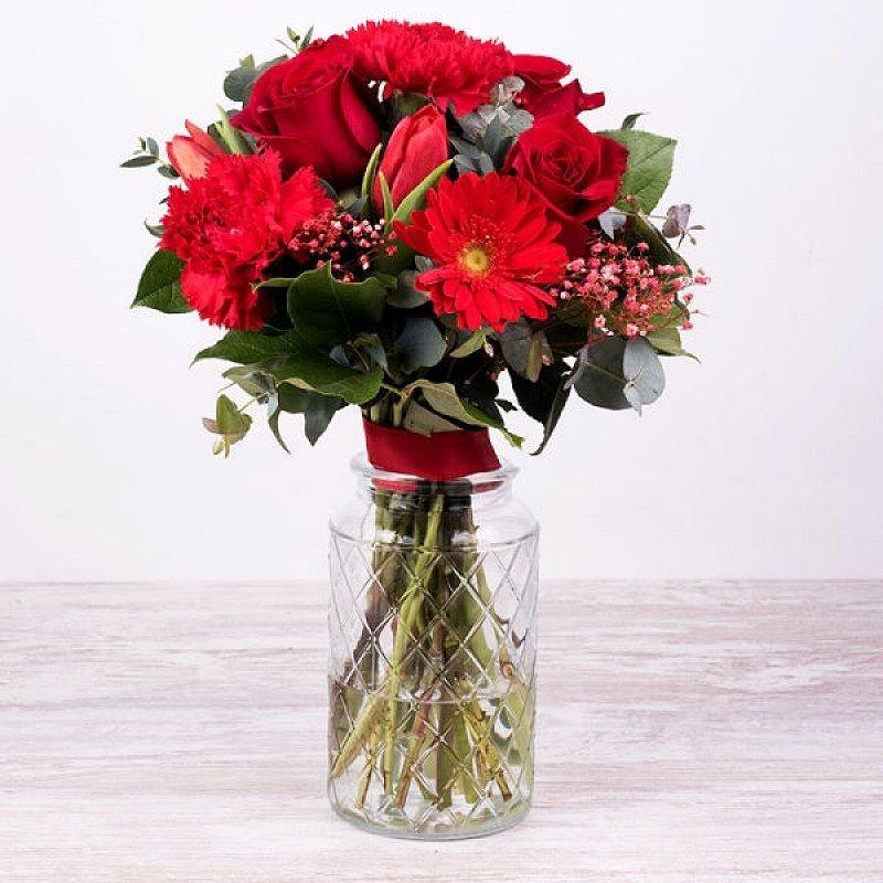 Gala - rosas, claveles, tulipanes y gerberas
