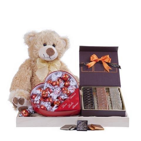 Cadeaux d'amour : chocolats et 1 peluche