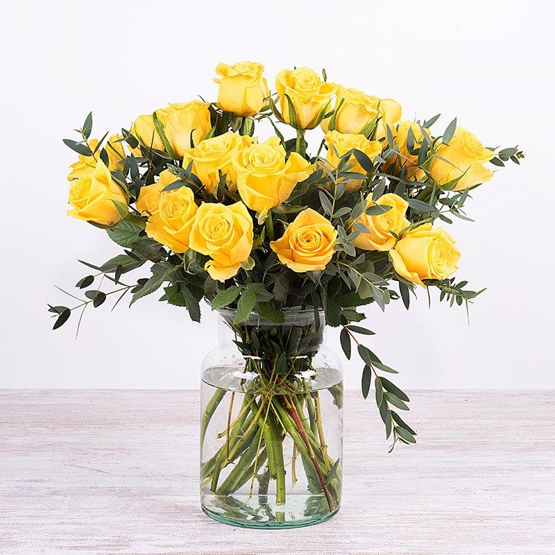 Felicidad Radiante: 20 rosas amarillas