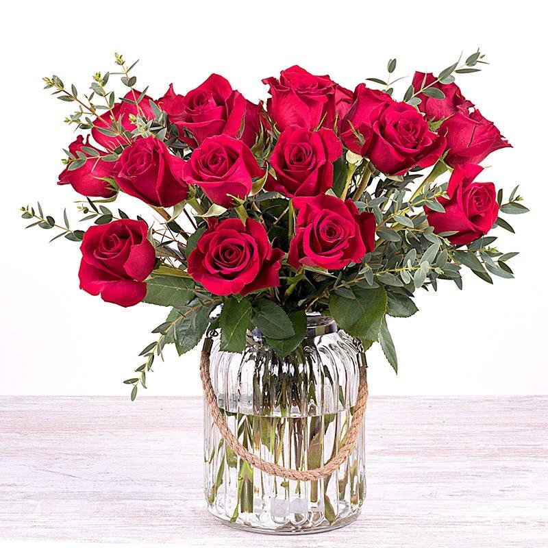 Amor del bueno: 20 Rosas rojas