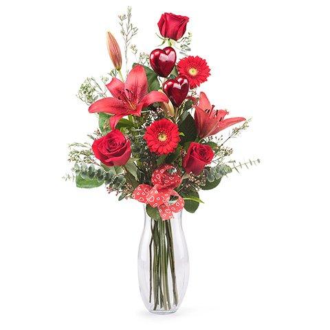Amor Inolvidable: rosas, lirios y gerberas